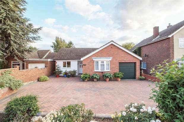 4 Bedrooms Detached Bungalow for sale in East Road, Langford, Biggleswade, Bedfordshire