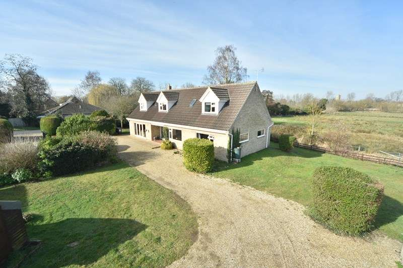 5 Bedrooms Bungalow for sale in Mildenhall Road, Barton Mills, Bury St. Edmunds, Suffolk, IP28