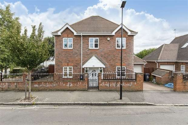 4 Bedrooms Detached House for sale in Worton Gardens, Isleworth, Middlesex