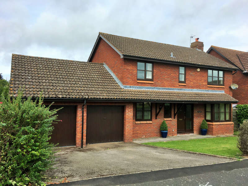 4 Bedrooms Country House Character Property for sale in Millway Sutton St Nicholas, Sutton St Nicholas, Hereford, Herefordshire, HR1 3BQ