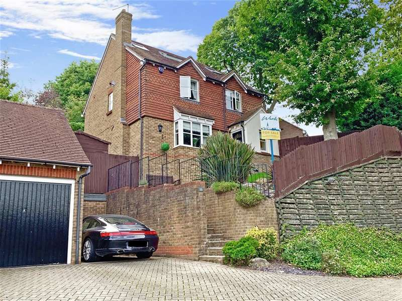 5 Bedrooms Detached House for sale in Roundwood Close, , Walderslade, Chatham, Kent