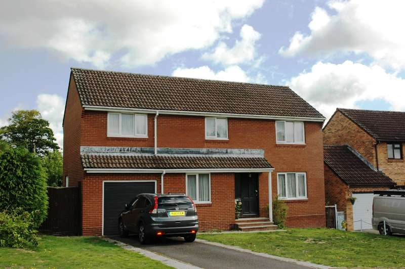 4 Bedrooms Detached House for sale in 2 Stour Meadows, Gillingham, Dorset, SP8 4SG