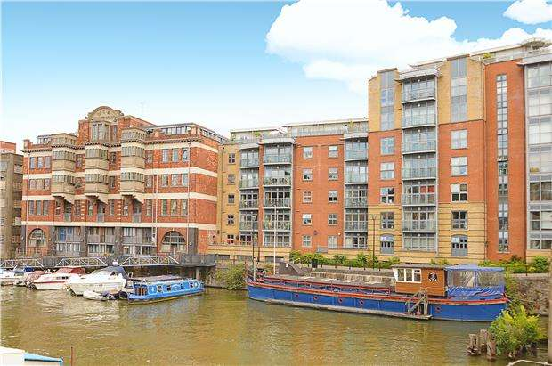 3 Bedrooms Flat for sale in Custom House, Redcliff Backs, Bristol, BS1 6NE