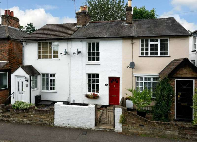 2 Bedrooms Cottage House for sale in CHARMING 2 BED COTTAGE IN POPULAR HP1 LOCATION