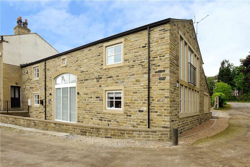 3 Bedrooms Barn Conversion Character Property for sale in Northgate, Elland, West Yorkshire
