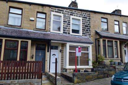 4 Bedrooms Terraced House for sale in Hawthorne Road, Burnley, Lancashire, BB11