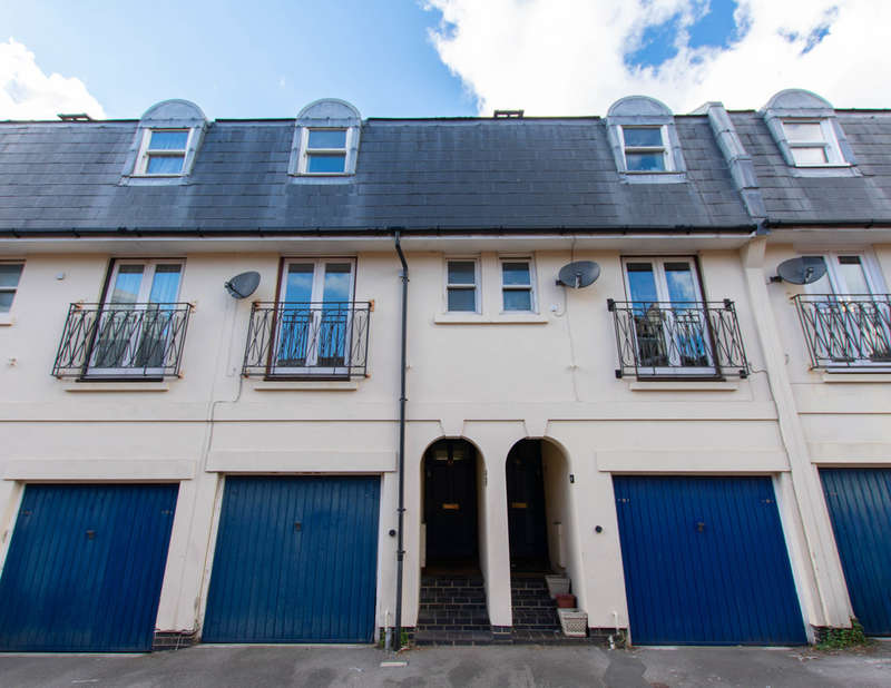 3 Bedrooms Terraced House for rent in Witcombe Place, Cheltenham GL52 2SP