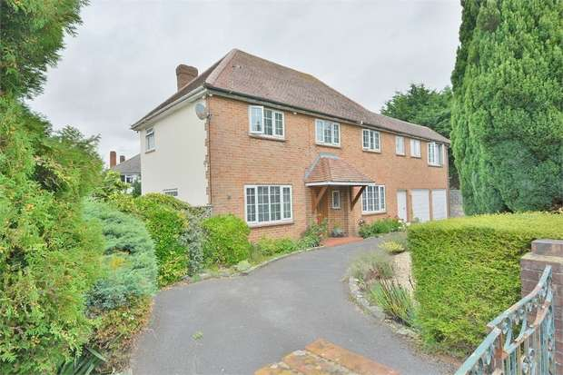 5 Bedrooms Detached House for sale in Balmoral Avenue, Queens Park, Bournemouth