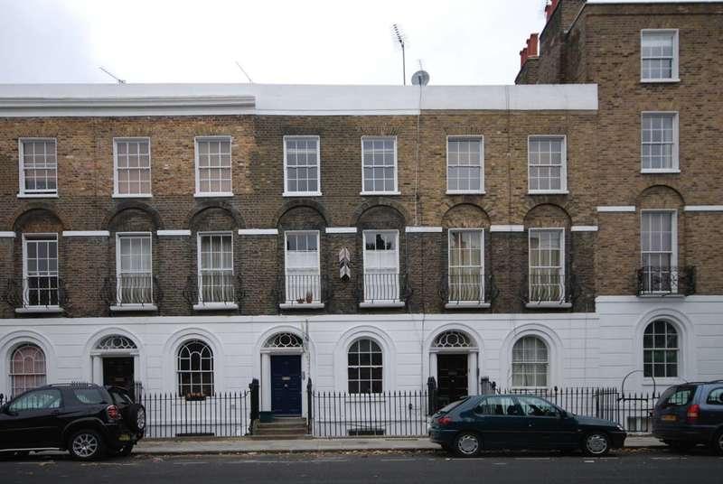 2 Bedrooms Flat for rent in River Street, Islington, EC1R