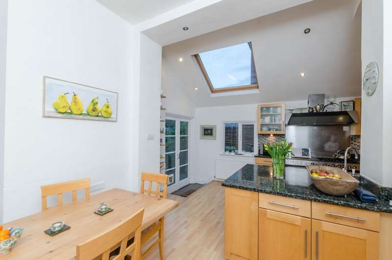 6 Bedrooms Semi Detached House for sale in Riggindale Road, London, London, SW16
