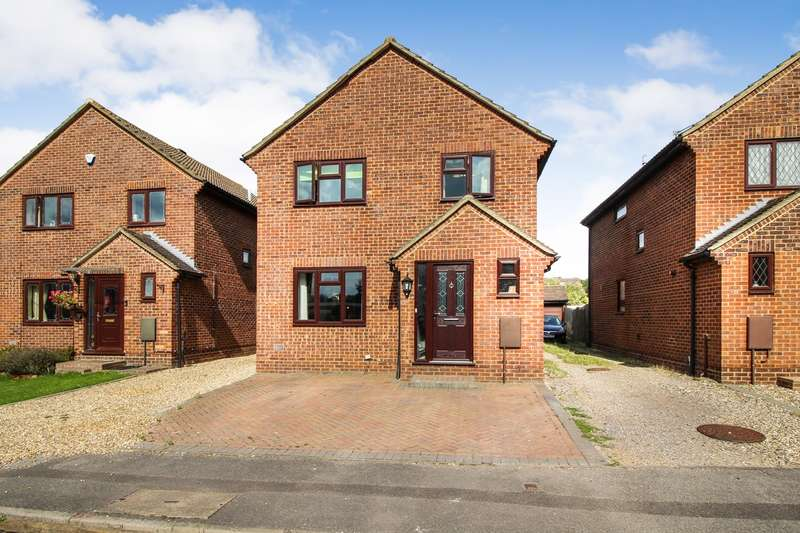 4 Bedrooms Detached House for sale in Cavalier Close, Theale, Reading, RG7
