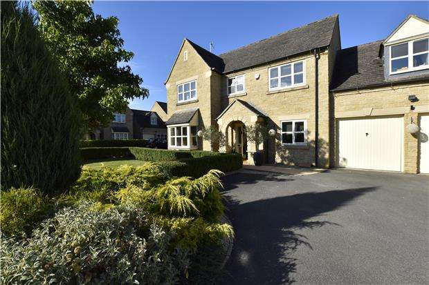 5 Bedrooms Detached House for sale in The Finches, Greet Cheltenham GL54