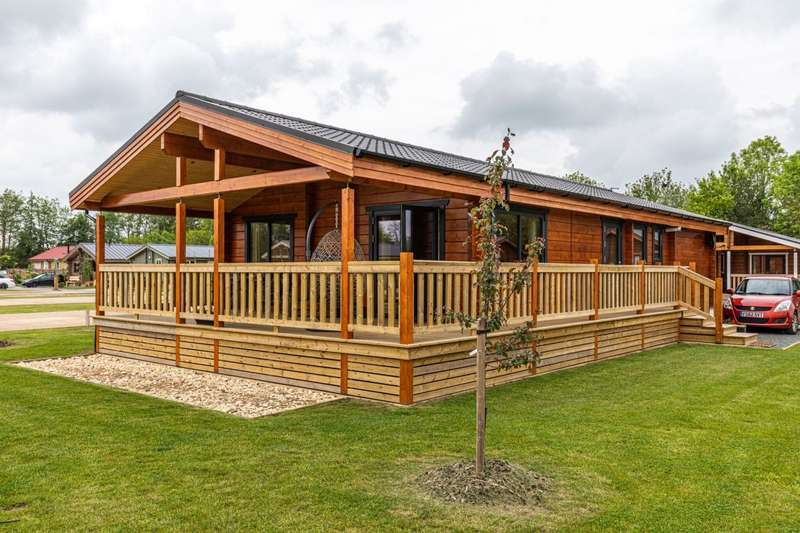 2 Bedrooms Lodge Character Property for sale in Frisby Lakes Lodge Park, Leicestershire