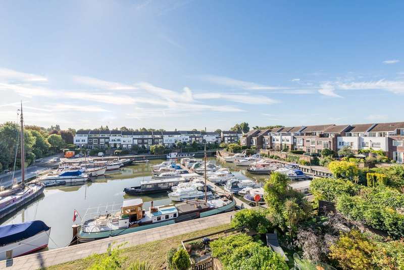 4 Bedrooms House for sale in Chiswick Quay, Chiswick, W4