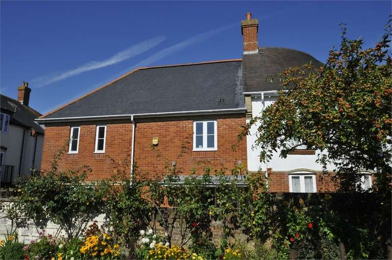 3 Bedrooms End Of Terrace House for sale in Nursery Road, RINGWOOD, Hampshire