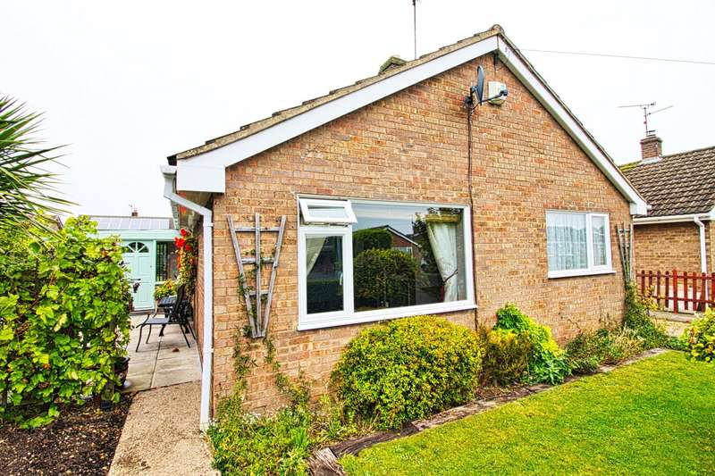 3 Bedrooms Bungalow for sale in Wakelyn Road, Whittlesey, PE7