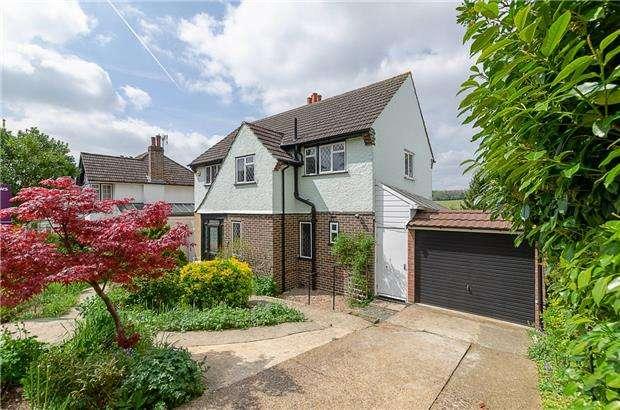 3 Bedrooms Detached House for sale in Downs Road, COULSDON, Surrey, CR5 1AF