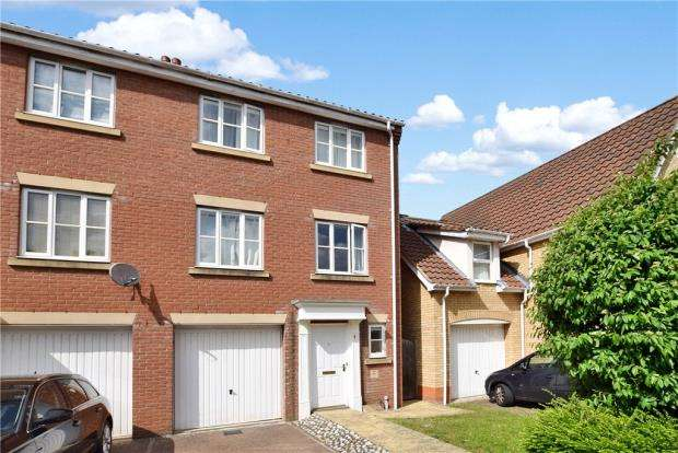 4 Bedrooms Semi Detached House for sale in Stirling Road, Norwich, Norfolk