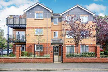 2 Bedrooms Flat for sale in Alder Court, 47 Painswick Road, Manchester, Greater Manchester