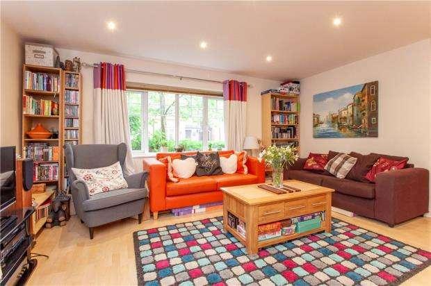 2 Bedrooms Apartment Flat for sale in Ashdene Gardens, Reading, Berkshire