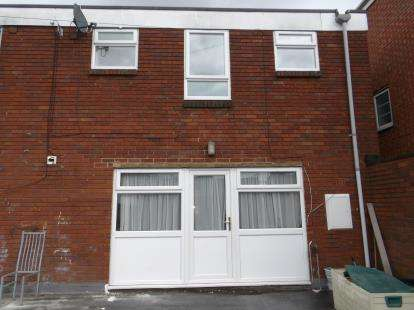 3 Bedrooms Flat for sale in Scott Arms Shopping, Walsall Road, Great Barr, Birmingham