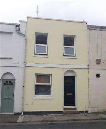 2 Bedrooms Terraced House for sale in Brunswick Street, CHELTENHAM, Gloucestershire, GL50 4HA