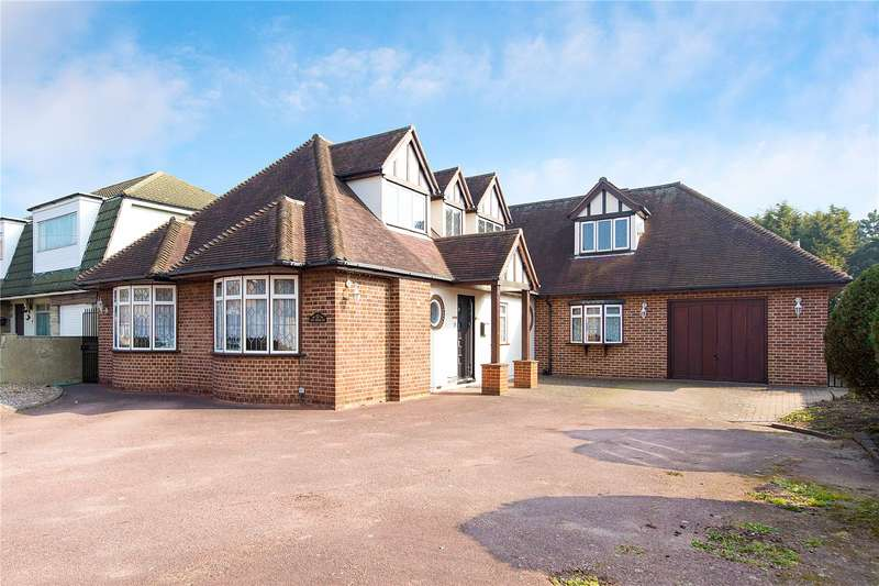 5 Bedrooms Detached House for sale in King Edward Avenue, Rainham, RM13