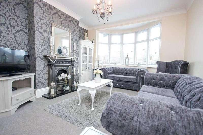 4 Bedrooms Semi Detached Bungalow for sale in Hawthorn Road, Buckhurst Hill, Essex, IG9