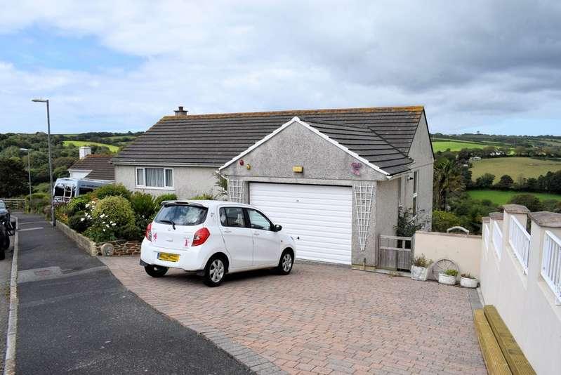5 Bedrooms Property for sale in 20 Gwealhellis Warren Helston Cornwall TR13 8PQ
