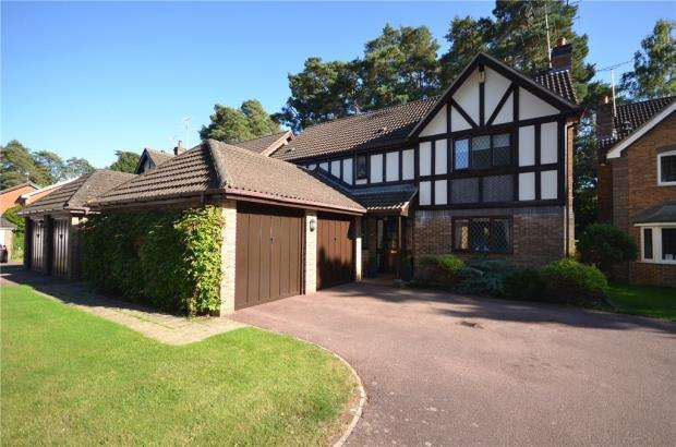 4 Bedrooms Detached House for sale in Polyanthus Way, Crowthorne, Berkshire