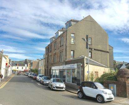 2 Bedrooms Flat for sale in Bath Street, Largs