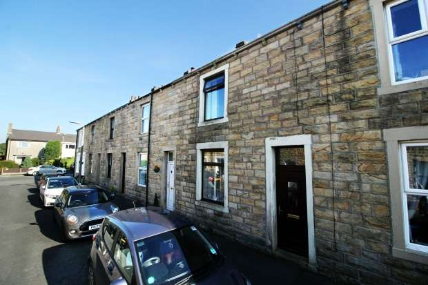 3 Bedrooms Terraced House for sale in Thorn Street, Clitheroe, Lancashire, BB7 9EY