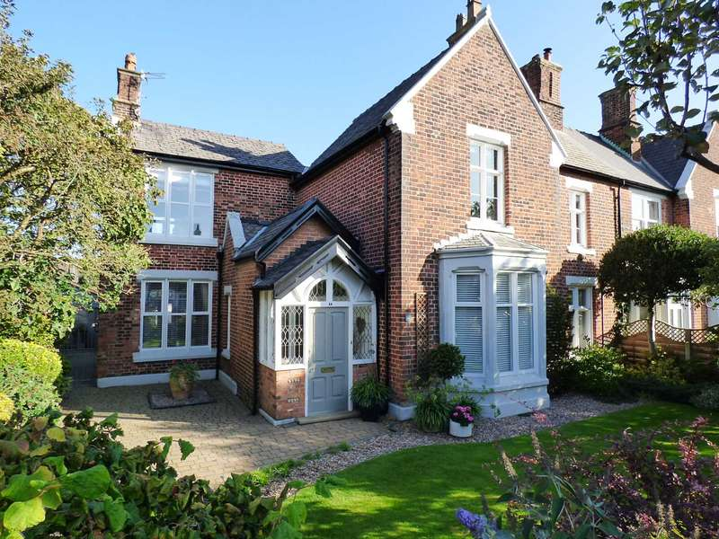 2 Bedrooms Flat for sale in Church Road, Lytham