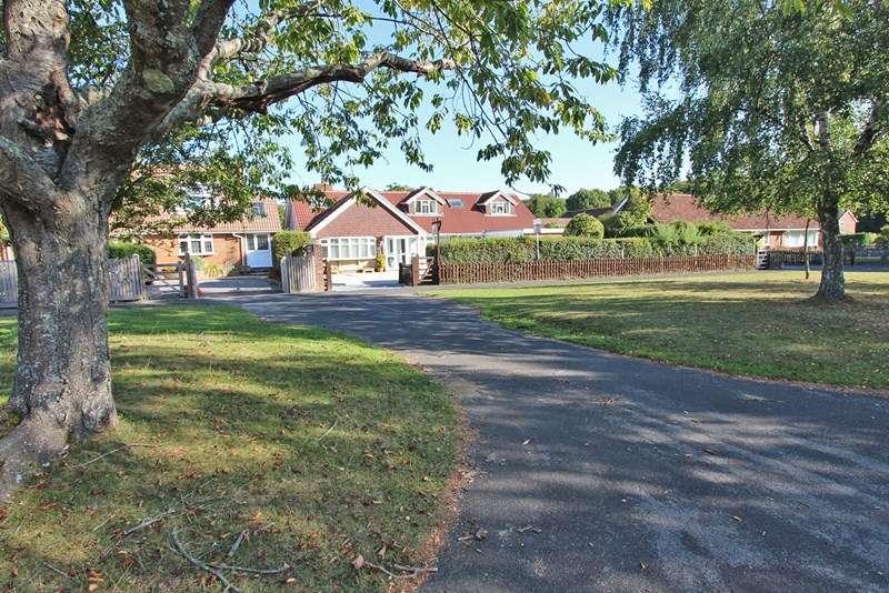 5 Bedrooms Detached Bungalow for sale in Whitemoor Road, Brockenhurst