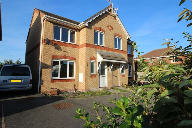 3 Bedrooms Semi Detached House for sale in Lindale Close, Moreton, Wirral, CH46 9SL