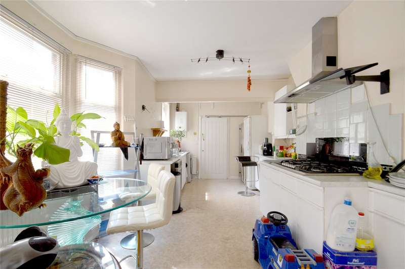 4 Bedrooms Terraced House for sale in St. Saviours Road, Croydon