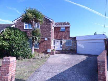 4 Bedrooms Detached House for sale in Canvey Island, Essex, United Kingdom