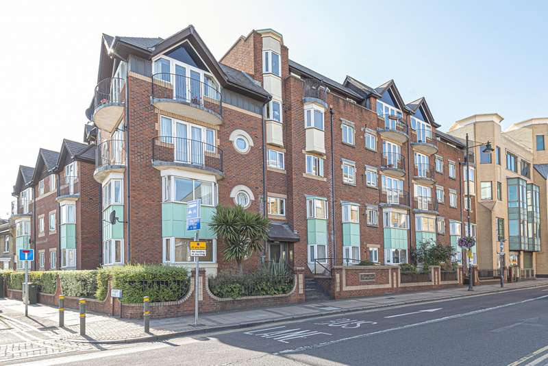 2 Bedrooms Flat for sale in Regency Court, Wimbledon, SW19
