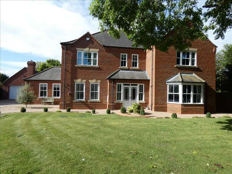 4 Bedrooms Detached House for sale in OLD PADDOCK COURT, HUMBERSTON, CLEETHORPES