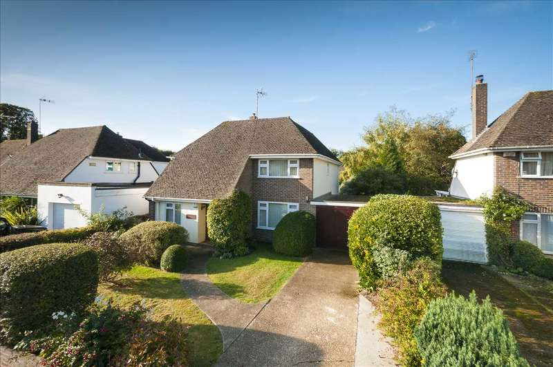 4 Bedrooms Detached House for sale in The Moat, Charing