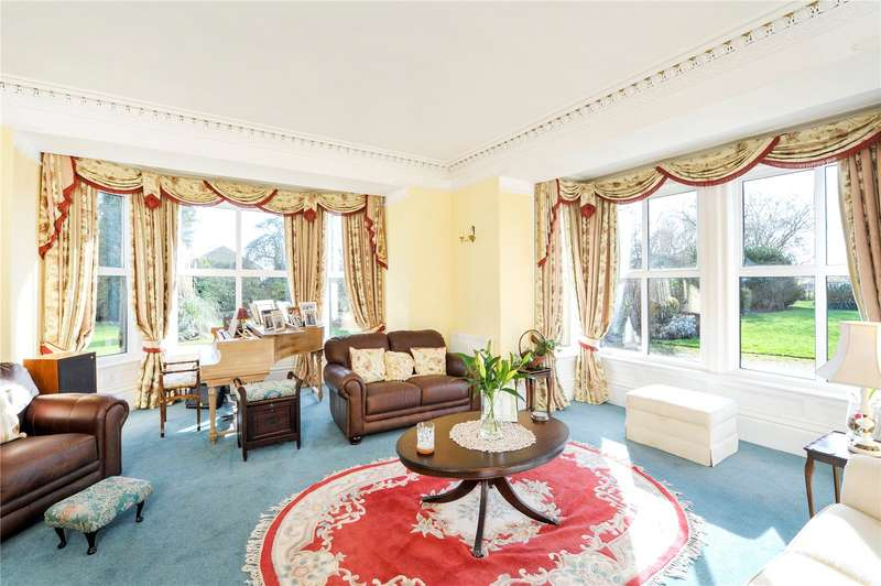 5 Bedrooms Detached House for sale in Silver Street, Midsomer Norton, Somerset, BA3