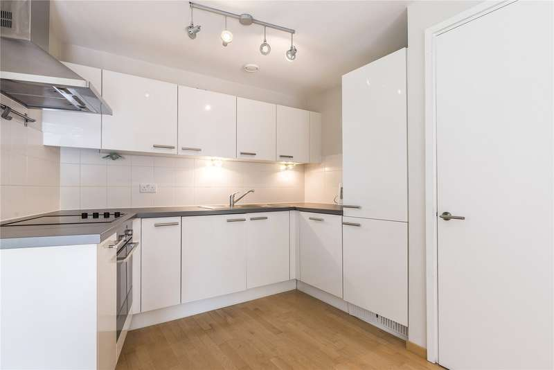 2 Bedrooms Flat for sale in Carter House, 33 Petergate, London, SW11