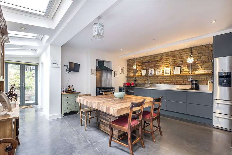 5 Bedrooms Terraced House for sale in Queenswood Road, London, SE23