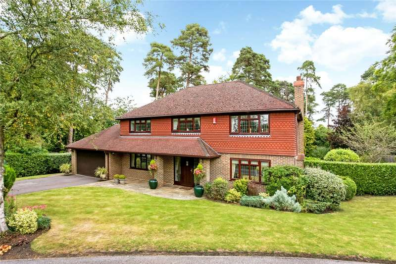 5 Bedrooms Detached House for sale in Nuthatch Close, Ewshot, Farnham, Hampshire, GU10