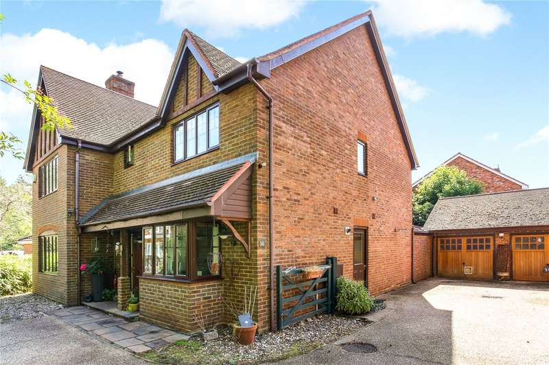 5 Bedrooms Detached House for sale in Ramsdell Road, Fleet, GU51
