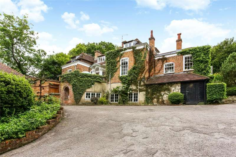 6 Bedrooms Detached House for sale in Dippenhall, Farnham, Surrey, GU10