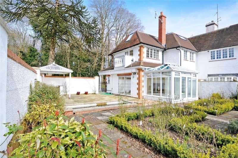 4 Bedrooms Mews House for sale in Berthorpe, Puttenham Heath Road, Guildford, Surrey, GU3
