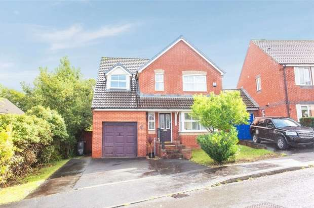4 Bedrooms Detached House for sale in Fairacre Avenue, Barnstaple, Devon