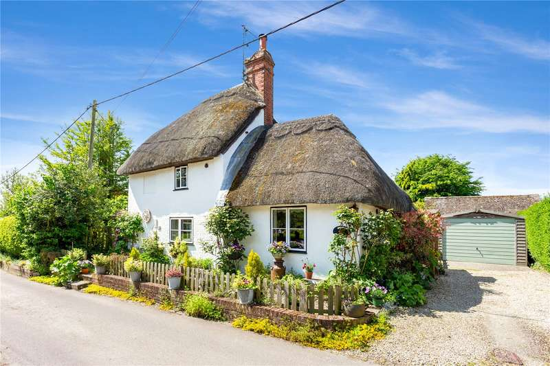 2 Bedrooms Detached House for sale in Dragon Lane, Manningford Bruce, Pewsey, Wiltshire, SN9