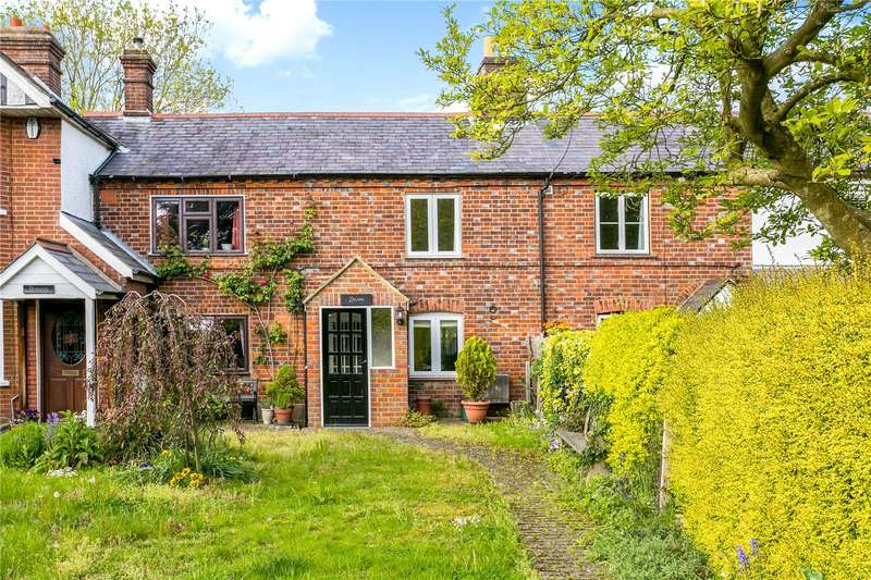 2 Bedrooms Terraced House for sale in Finings Road, Lane End, Buckinghamshire, HP14
